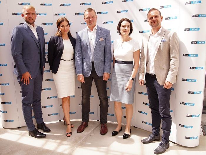 Zleva: Libor Bouček, Anna Lenerová, Marek Kindernay, Dana Tomášková a Petr Svěcený, foto: Jindřich Kodíček, O2TV