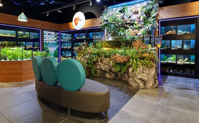 Součástí prodejny je i odpočinkvá zóna, kde za zvuků podmořského světa mohou zákazníci relaxovat, zdroj: Super zoo.
