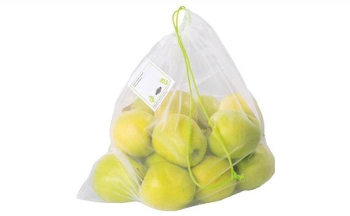 Ovosáčky na ovoce a zeleninu najdou zákazníci ve speciálních stojanech. Zdroj: web Globus