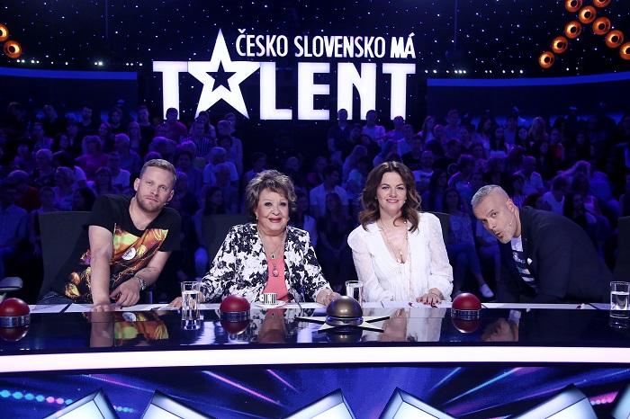 Porota pořadu Česko Slovensko má talent se speciálním hostem Jiřinou Bohdalovou, foto: FTV Prima