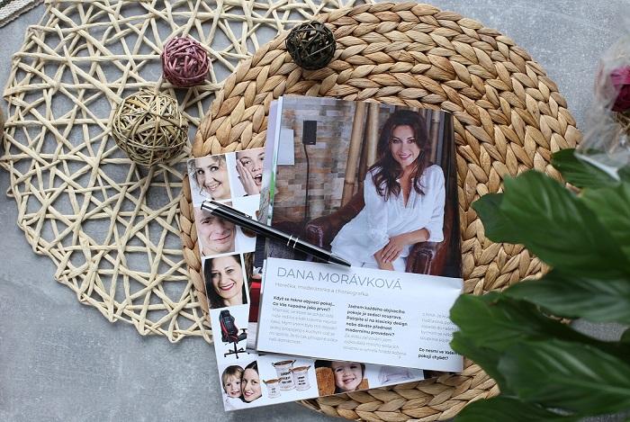 V katalogu jsou rozhovory se známýni osobnostmi i portréty skutečných zákazníků, zdroj: Kika Nábytek.