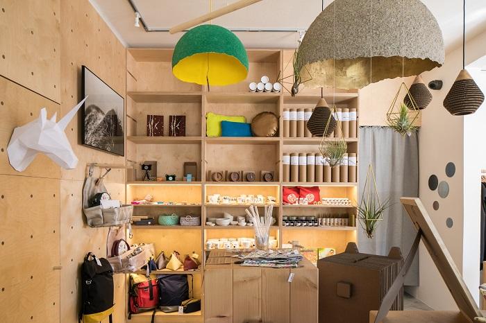Větší prostor dostanou na Orionce i dekorace a nábytek, foto: Michal Dědič.