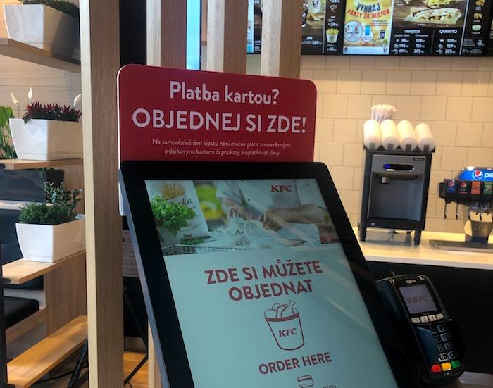 Samoobslužné kiosky jsou už k dispozici v téměř 60 restauracích, foto: MediaGuru.cz.
