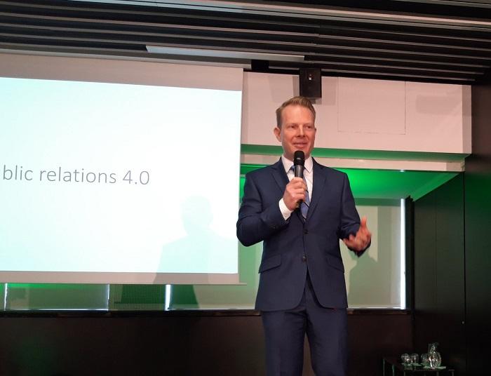 Patrik Schober z PRAM Consulting uvádí téma letošního PR Summitu PR 4.0, foto: MediaGuru.cz.