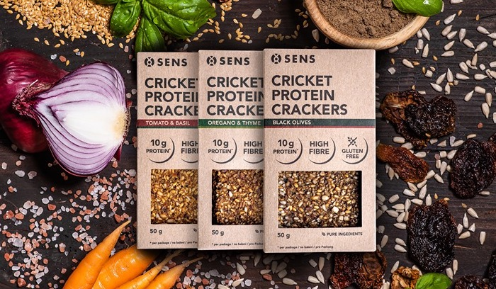 Novinkou značky Sens jsou slané cvrččí proteinové krekry, zdroj: FB Sens Bar.
