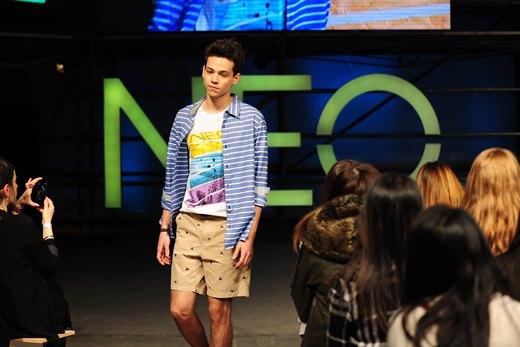 Z módní přehlídky NEO v New Yorku