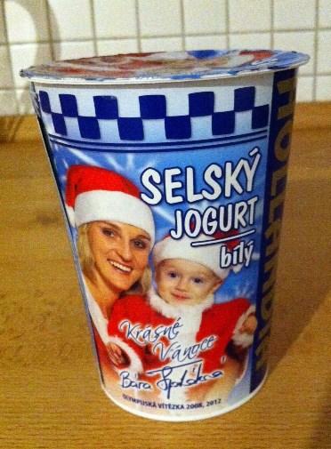 Obal jogurtu Hollandia s Bárou Špotákovou a jejím synem