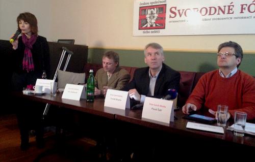Barbora Tachecí, Jan Jandourek, Tomáš Klvaňa a Pavel Šafr na tiskové konferenci.
