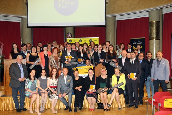 Vítězové letošního Zlatého středníku, porotci i zástupci organizátorského PR Klubu