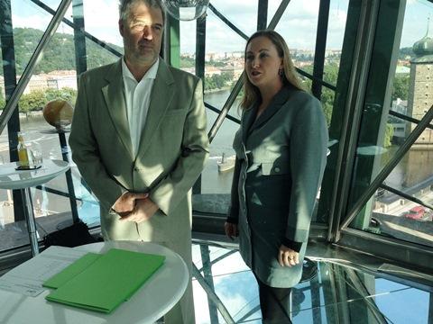 Michal Charvát (prezident AKA) a Lucie Češpivová (členka prezida AKA). Foto: MediaGuru.cz