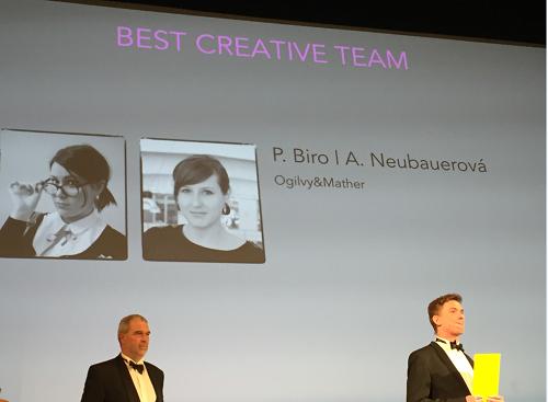 Petra Biro a Alena Neubauerová z Ogilvy & Mather získaly ocenění Best Creative Team.