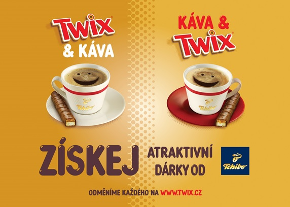 Klíčový vizuál tyčinek Twix a káva Tchibo