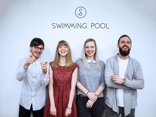 Do agentury Swimming Pool přichází Mark Long, Květka, Chloé Sova a Filip Škaloud