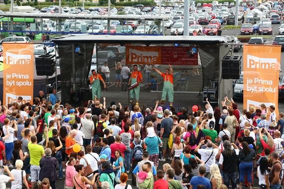 Zpravodajský kamion na náměstí, foto: FTV Prima