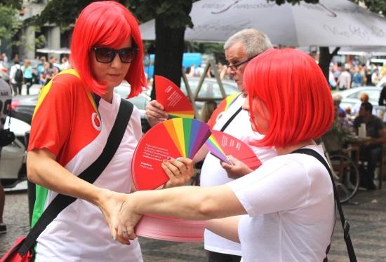 Vodafone_PraguePride 2016_hostesky