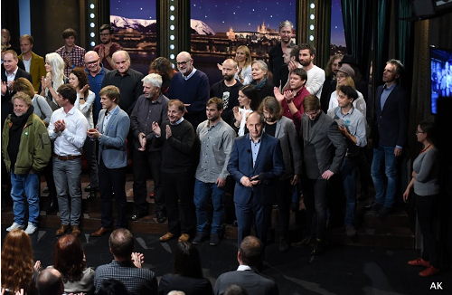 Na pódiu se mj. sešli Michael Kocáb, Michael Žantovský nebo Jan Ruml. Pořad byl natočen v úterý 25.10. 2016. Foto: FTV Prima