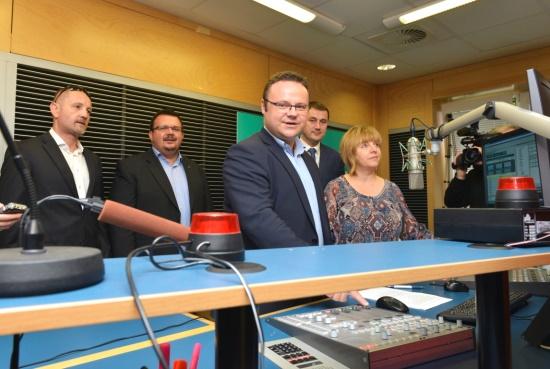 René Zavoral zahajuje vysílání stanice ČRo Liberec (foto: Khalil Baalbaki)