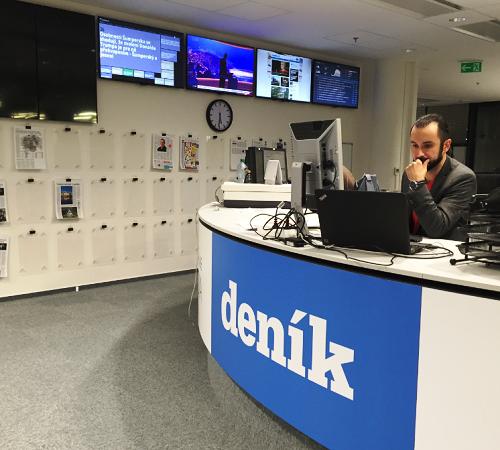Šéf datové žurnalistiky VLM Aleš Vojíř v centrální redakci Deníku.