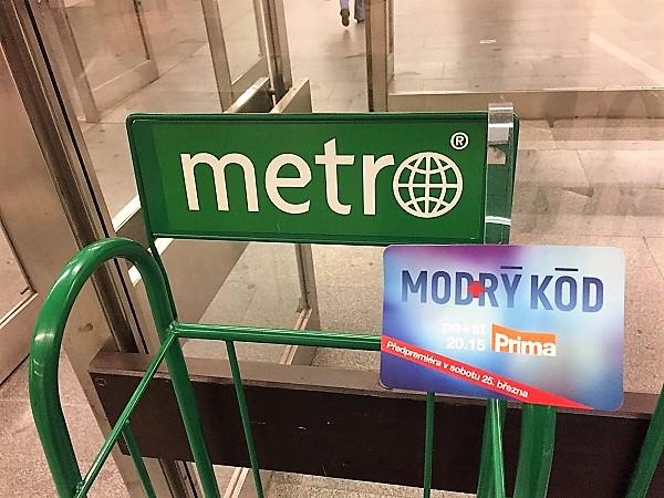 Branding stojanu deníku Metro
