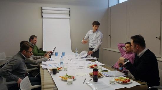 Porota v kategorii Media hodnotí soutěžní práce. Foto: Lionhearted