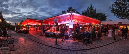 Své 25. výročí oslavila firma Targo Promotion v kulisách Petřínských zahrad