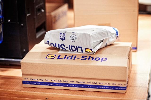 Zboží je odesíláno podle velikosti v krabicích nebo v sáčcích (foto: Lidl)